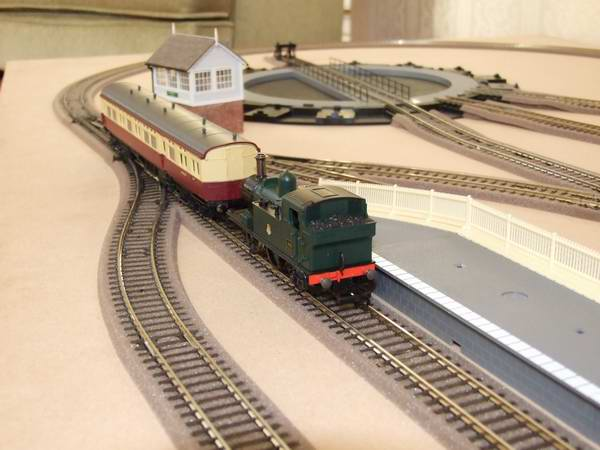 An 'OO' gauge layout showing the track fitted with PECO foam ballast.